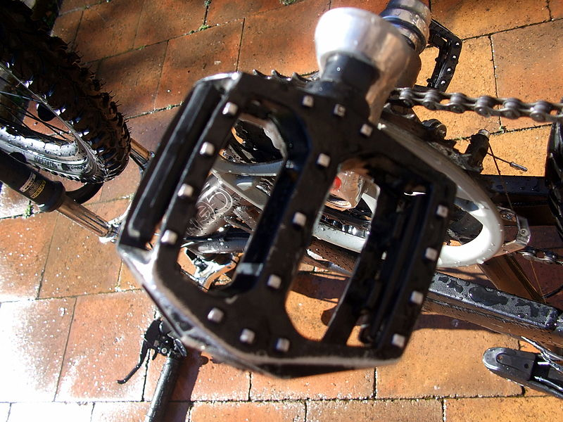 14 mountain bike pedal types explained 3