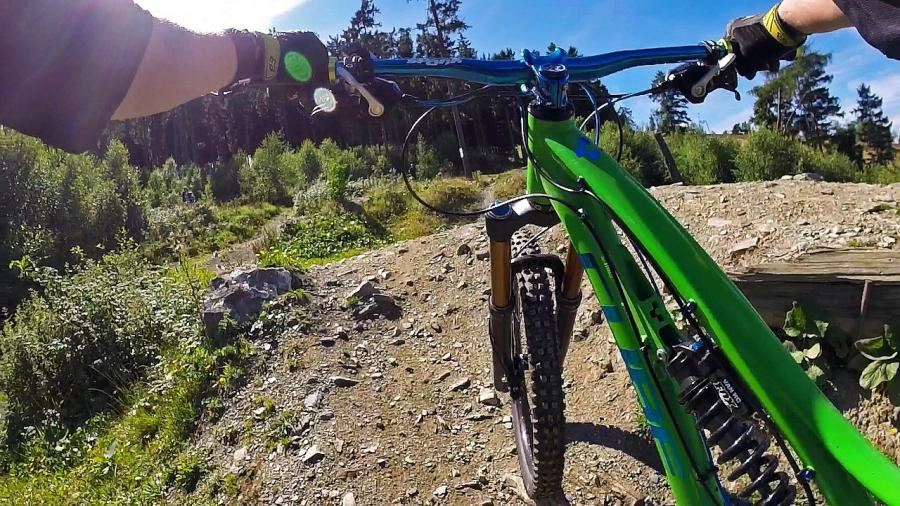 6 Reasons why Mountain Bike Handlebars are so wide 1