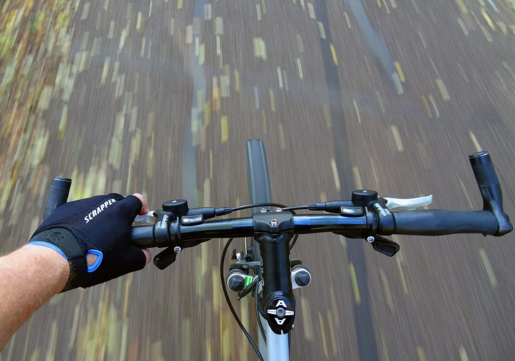 6 Reasons why Mountain Bike Handlebars are so wide 4