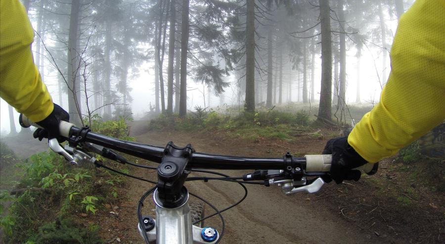 6 Reasons why Mountain Bike Handlebars are so wide 3