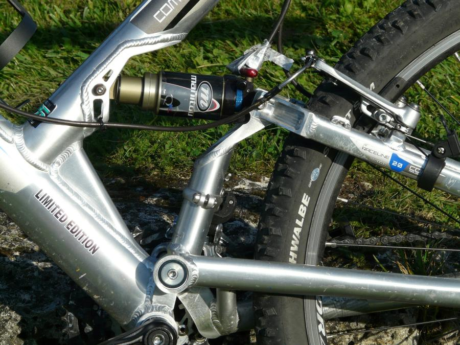 Can you mountain bike without suspension? 1